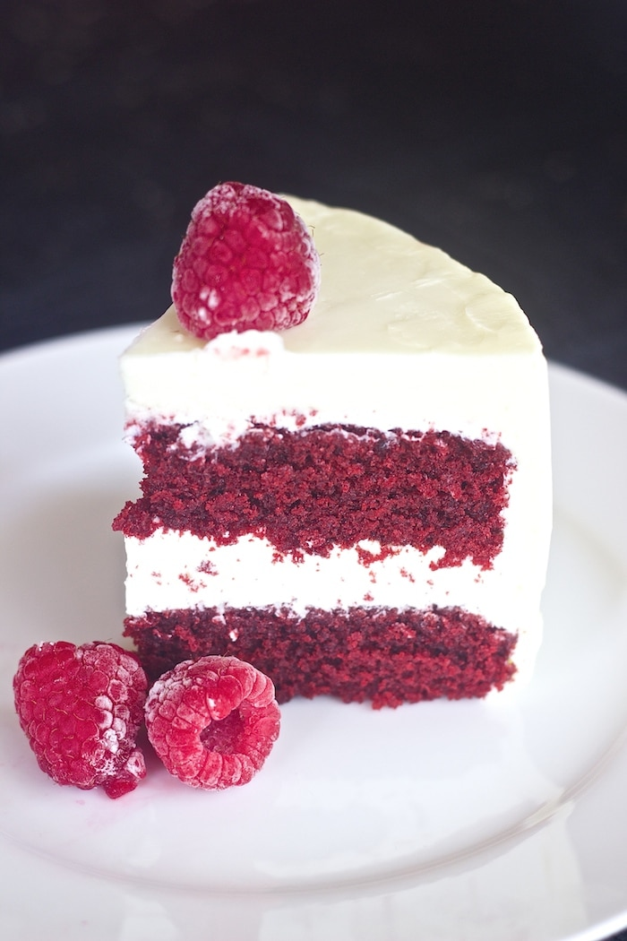 et Cake with Cream Cheese Frosting,best red velvet cake, moist red velvet cake recipe, red velvet cake with oil, red velvet cake, bright red velvet cake